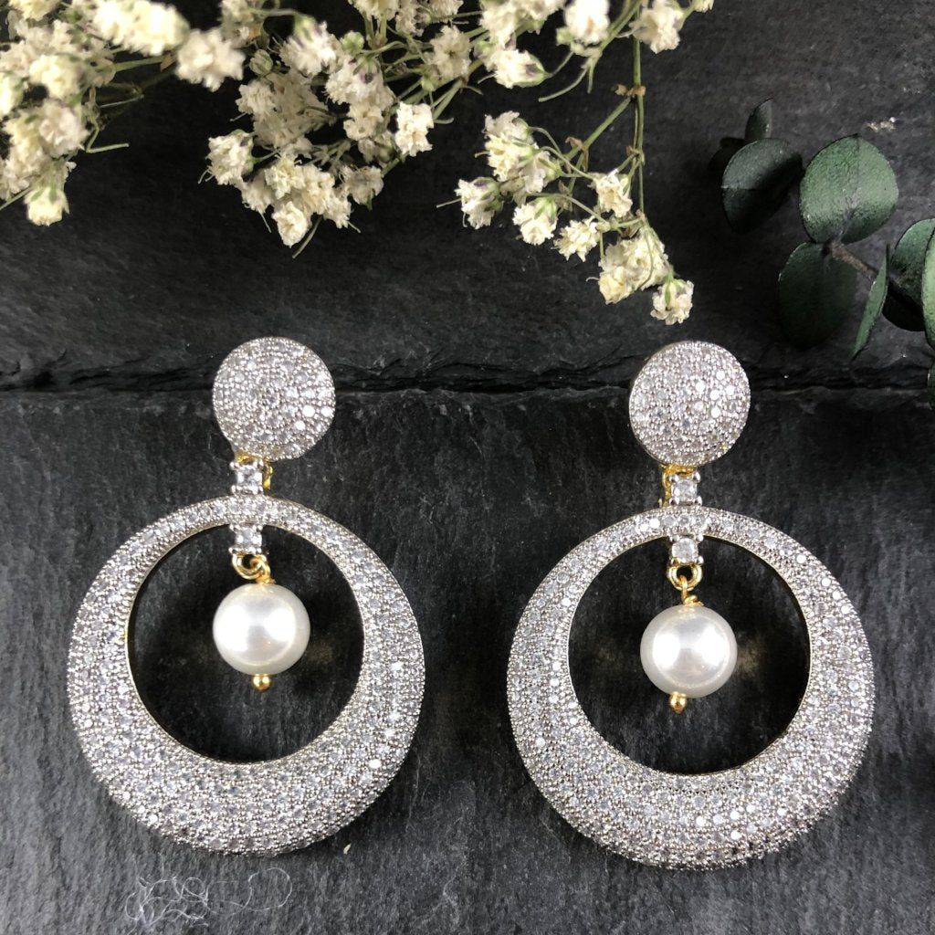 PP2193E CRYSTAL AND PEARL DANGLING EARRINGS
