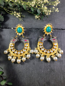 SG1824E EARRING GOLD ELEPHANT WITH TURQUOISE AGATE CENTER STONE