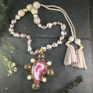 SG1439 PINK AGATE AND BAROQUE PEARL NECKLACE