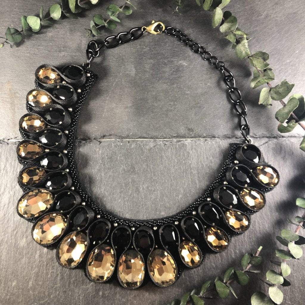 SE170 WEAVE CHRISTA BLACK AND CHAMPAGNE NECKLACE