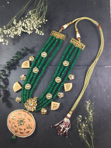 TD697 LEGACY GREEN LAYERED NECKLACE WITH PEACH MEENA DROPS