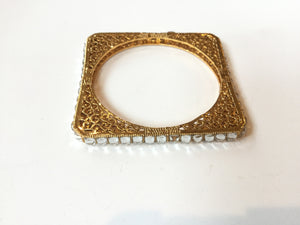 PP936B GOLD AND CRYSTAL SQUARE BANGLE BRACELET