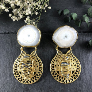 SG1540E WHITE AGATE AND METALWORK EARRINGS