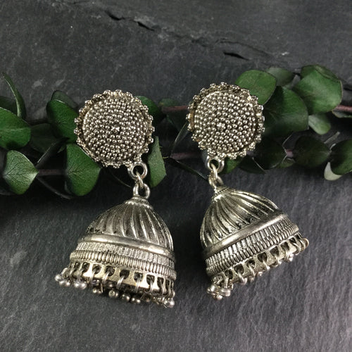 NS28 OXIDIZED SILVER JHUMKIS