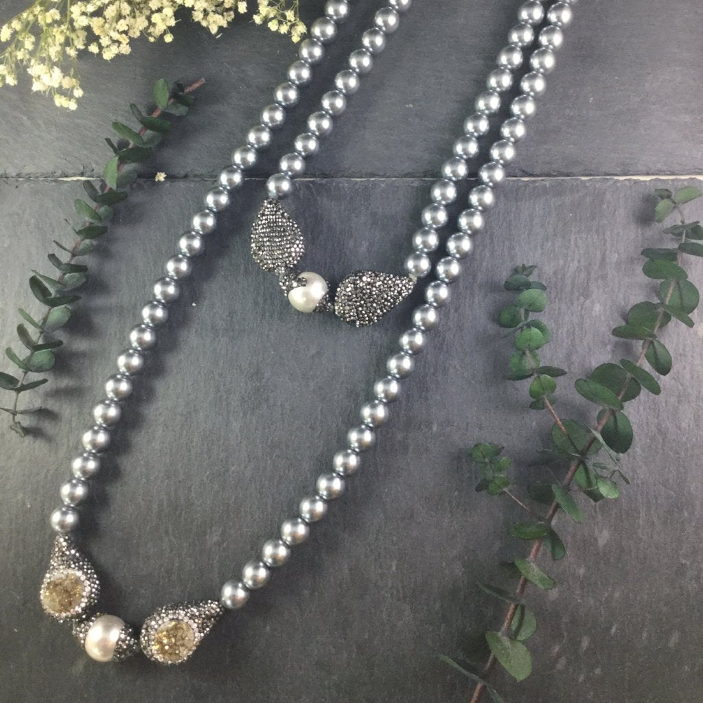 SG1425 GREY BEADS WITH DRUZY AND MOTHER-OF-PEARL