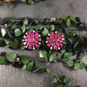 OP151E EARRING RUBY FLOWER STUDS