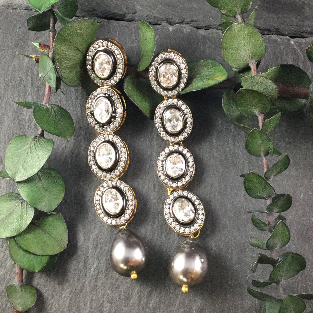 OP91E LEGACY SINGLE LINE OXIDIZED KUNDAN AND BAROQUE PEARL EARRINGS