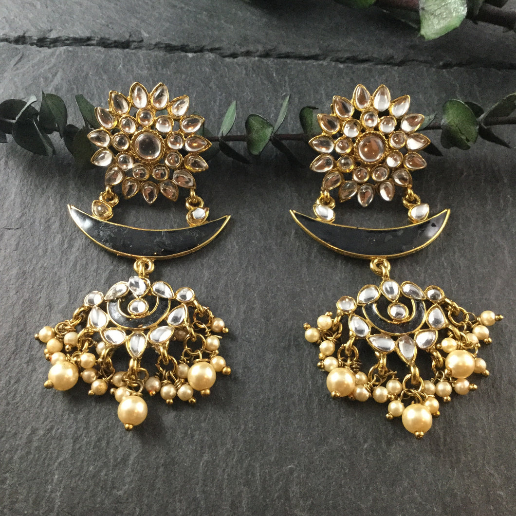 PP3482 EARRING KUNDAN HALF MOON BLACK
