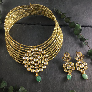 SG2644 WIRE CHOKER GOLD SET WITH KUNDAN AND GREEN STONES