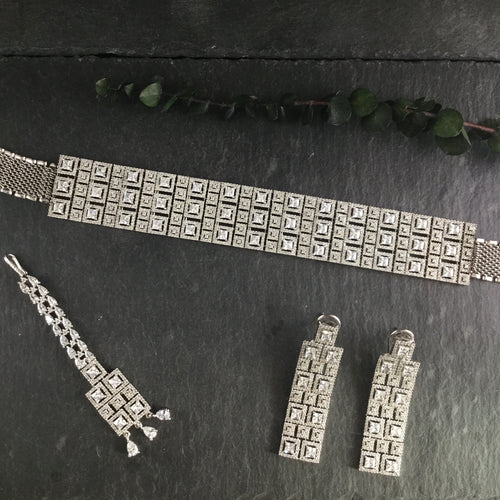 PP3598 GLAMOUR SQUARE DIAMONDESQUE CHOKER WITH EARRINGS AND TIKKA