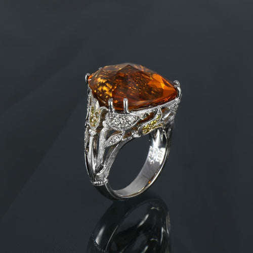 18kt White Gold Magic Of Camelot Ring