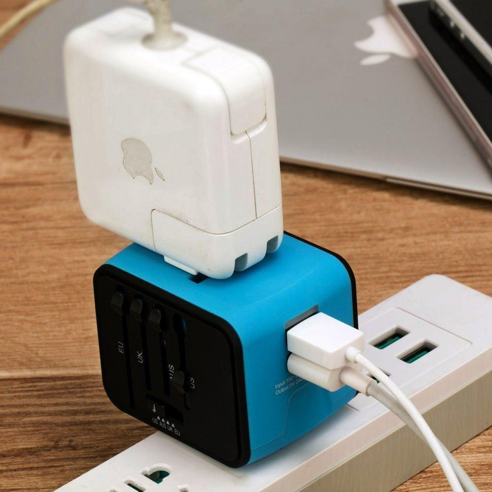Travel Adapter with universal plug 3.0 - Goods on Fire