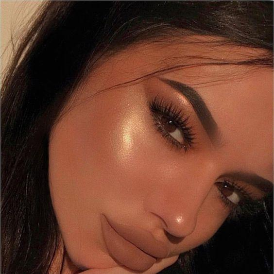 Liquid Highlighter Makeup