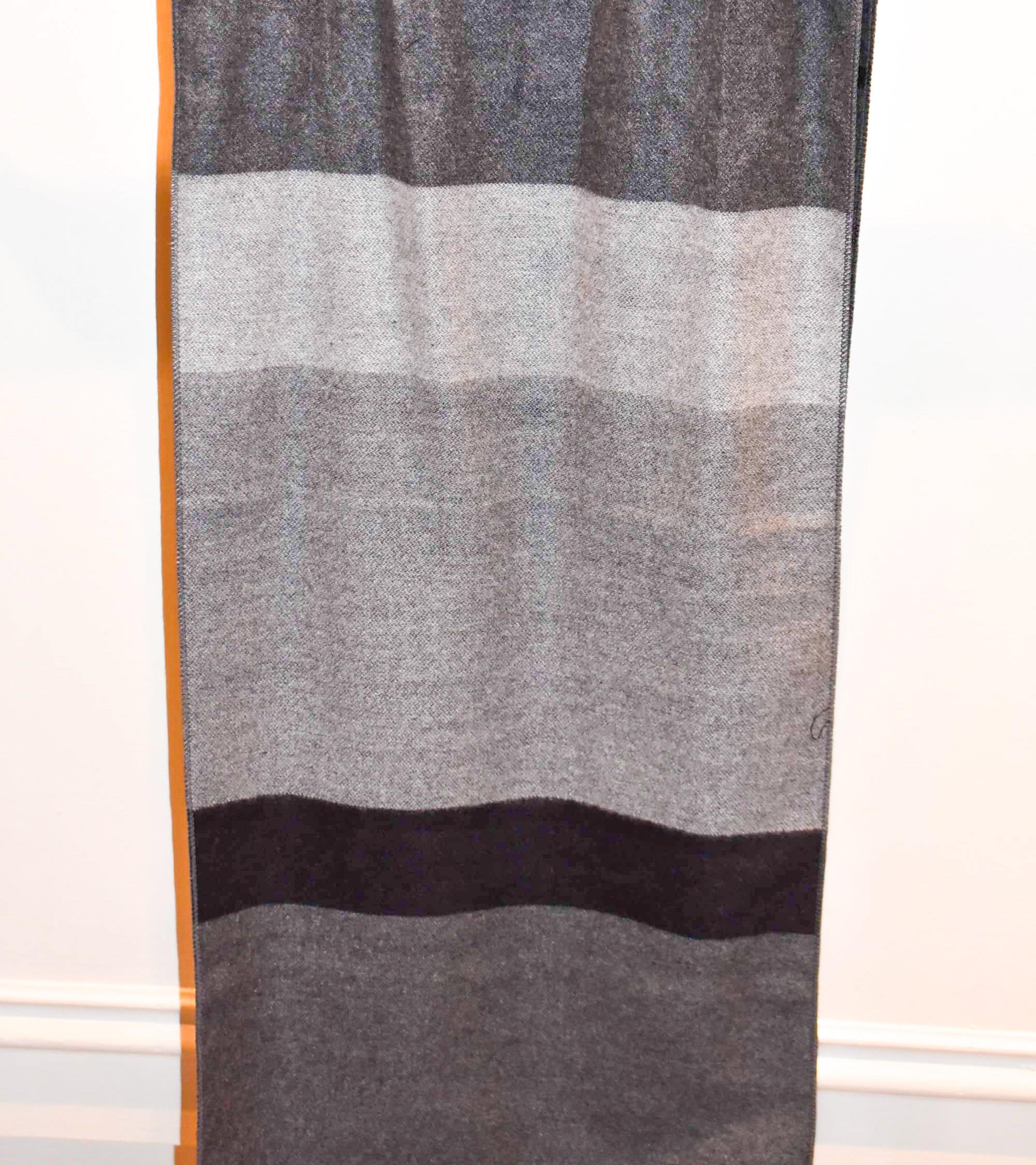 Heritage Grey/Black Scarf