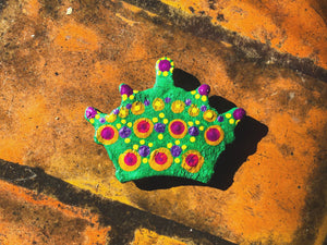 Green Mardi Gras Crown Magnet