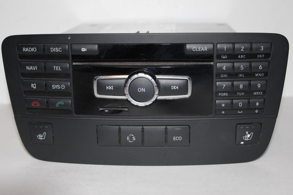 2013-2014 MERCEDES BENZ W204 C300 RADIO STEREO NAVIGATION CD PLAYER  A2049005511