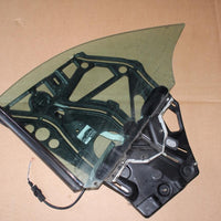 1998-2003 MERCEDES-BENZ ML320  REAR QUARTER WINDOW REGULATOR W/ GLASS LEFT SIDE