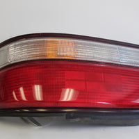 1995-1997 TOYOTA AVALON  PASSENGER SIDE REAR TAIL LIGHT