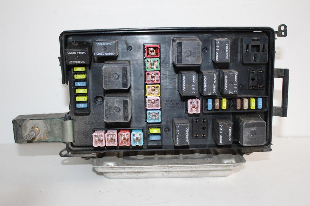 Picture Of Fuse Box On 06 Dodge Charger