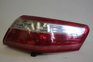 2007-2009 TOYOTA CAMRY PASSENGER SIDE REAR TAIL LIGHT
