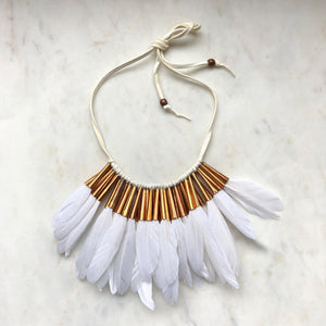 Half Feather Collar in white