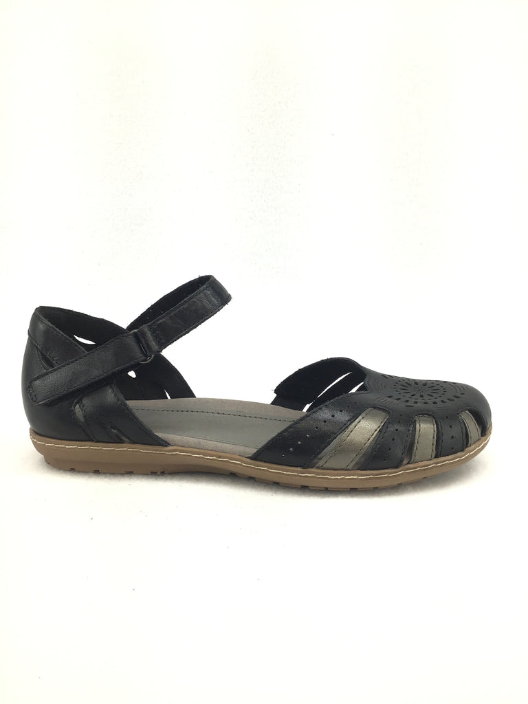 Earth Camellia Cahoon Sandals Size 9M