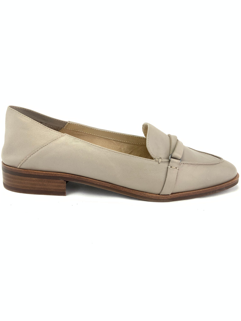 Aerosoles South East Loafers Size 9M