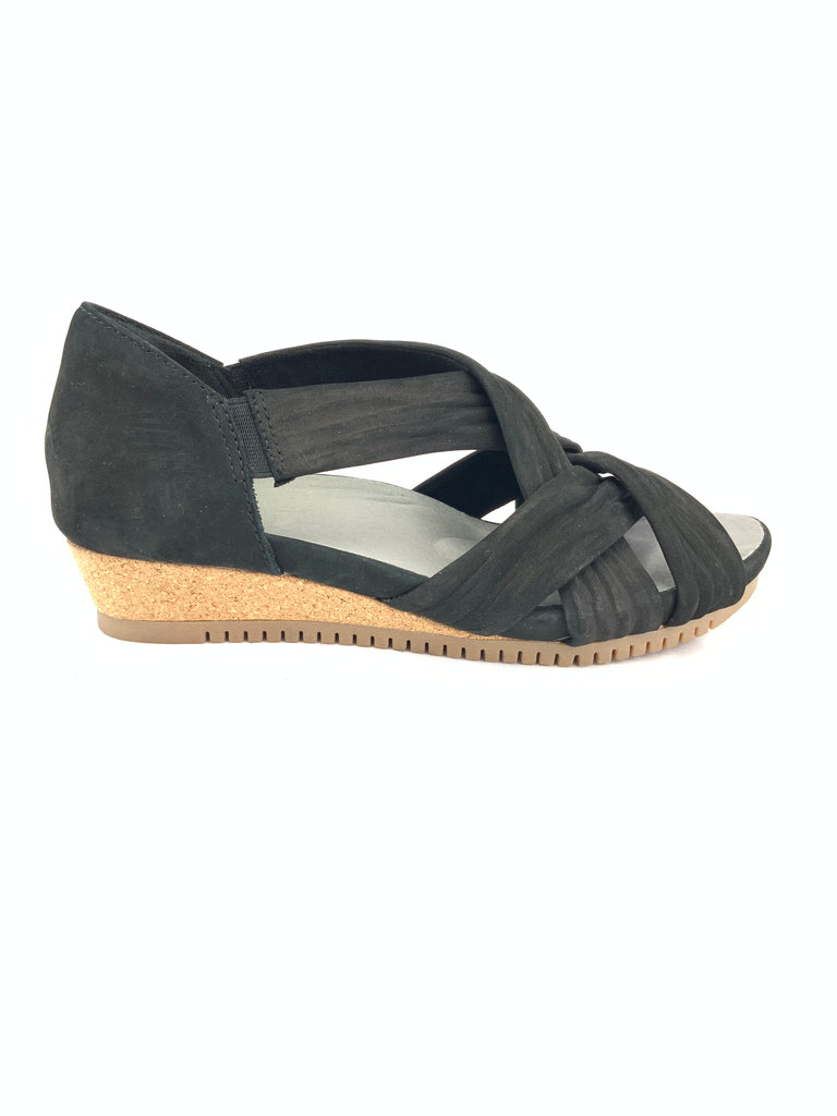 Earth Ficus Gemini Wedge Sandals Size 6