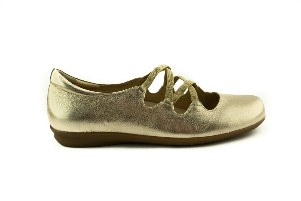 Earth Clare Leather Flat
