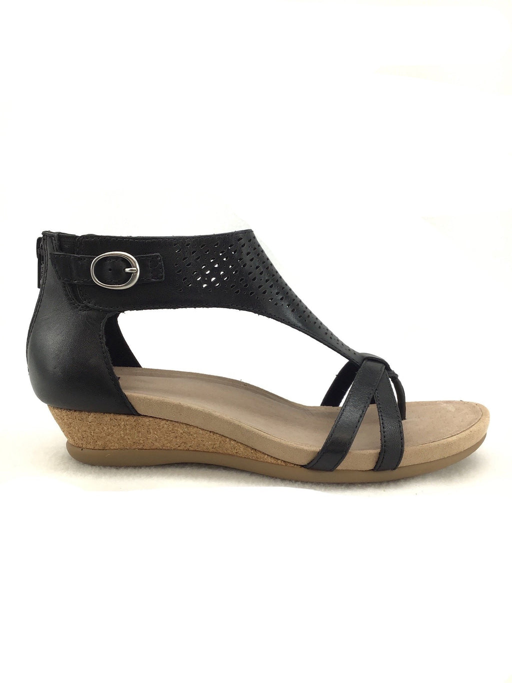 Earth Pisa Black Sandals Size 8.5M