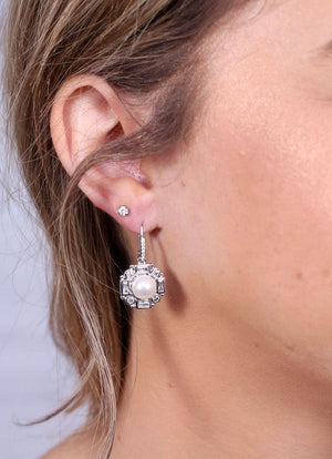 Daisy Cz And Pearl Drop Earring Silver - Caroline Hill