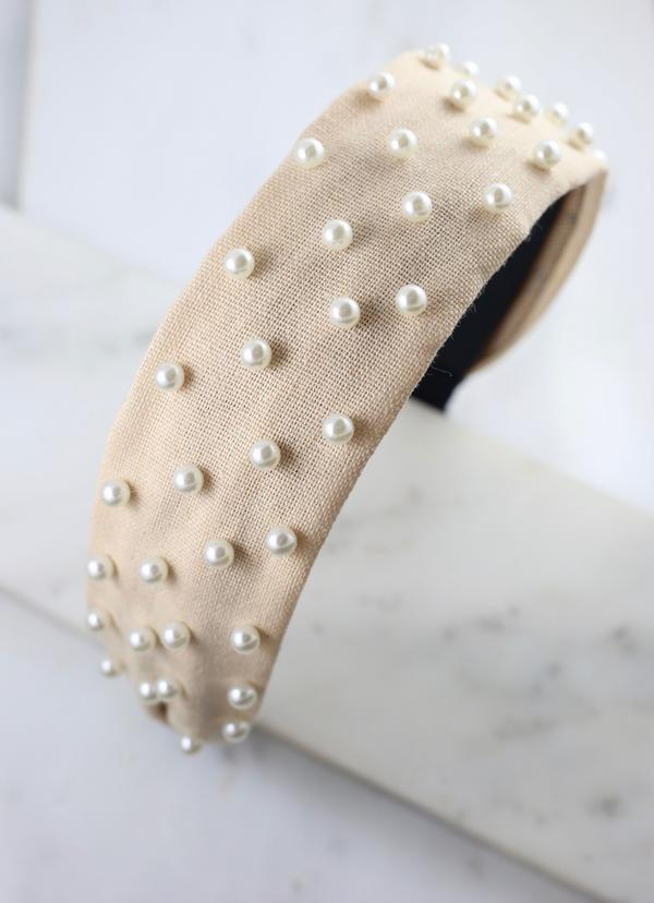 Daniella Headband With Pearls Beige - Caroline Hill