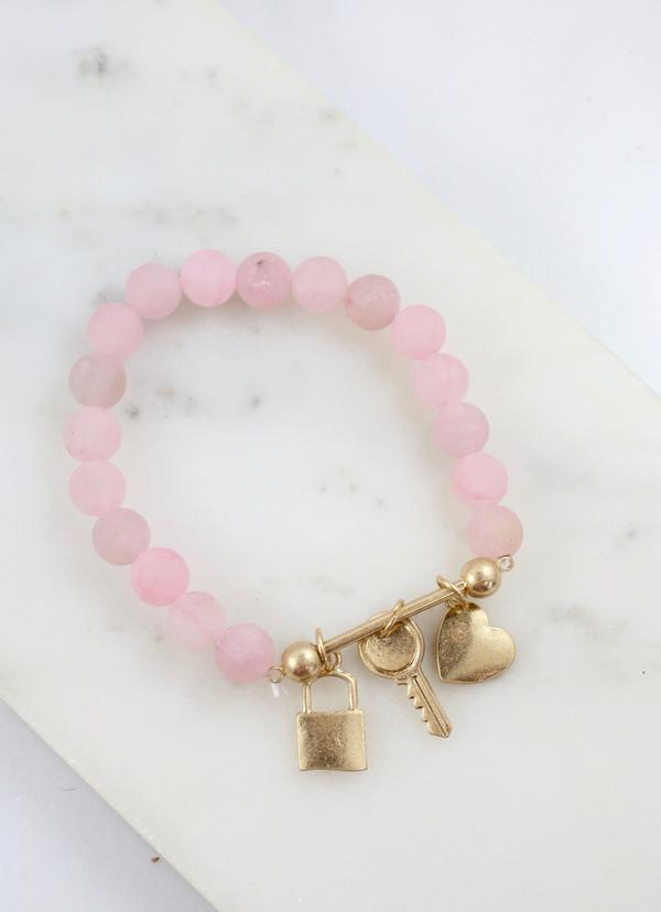 Daryl Beaded Bracelet With Bar And Charms Rose - Caroline Hill