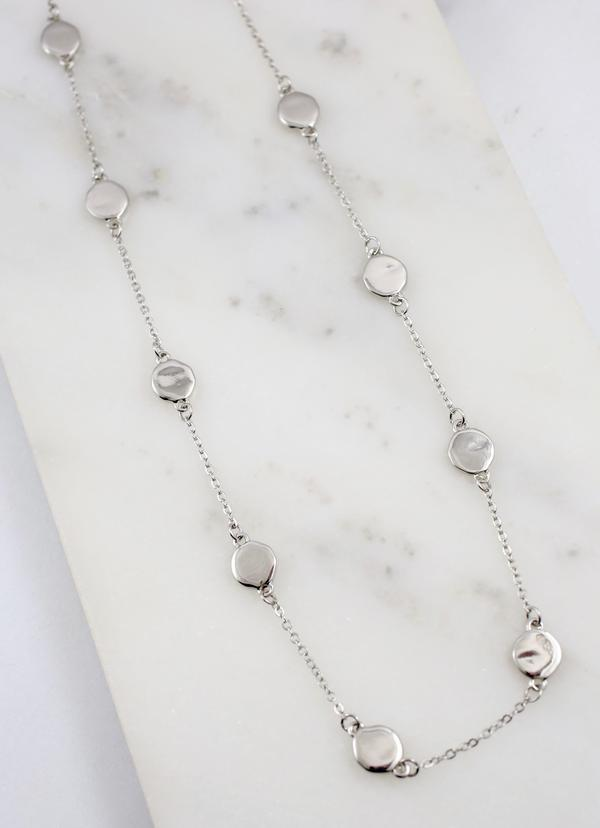 Hynden Neckace With Disc Accents Silver - Caroline Hill