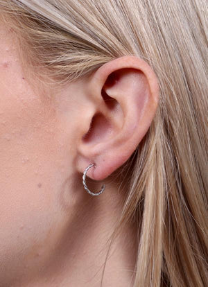 Irvine Twisted Hoop Earring Silver - Caroline Hill