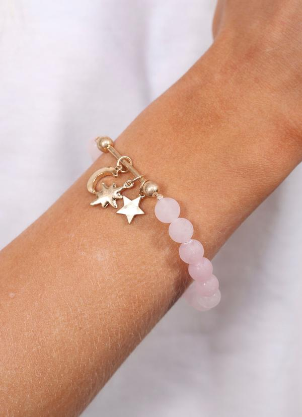 Juni Beaded Bracelet With Bar And Charms Rose - Caroline Hill