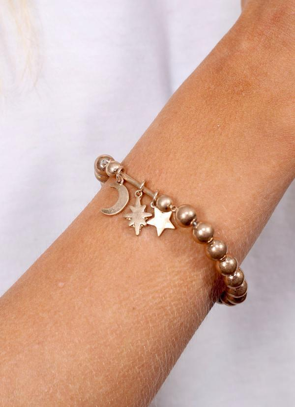 Juni Beaded Bracelet With Bar And Charms Worn Gold - Caroline Hill