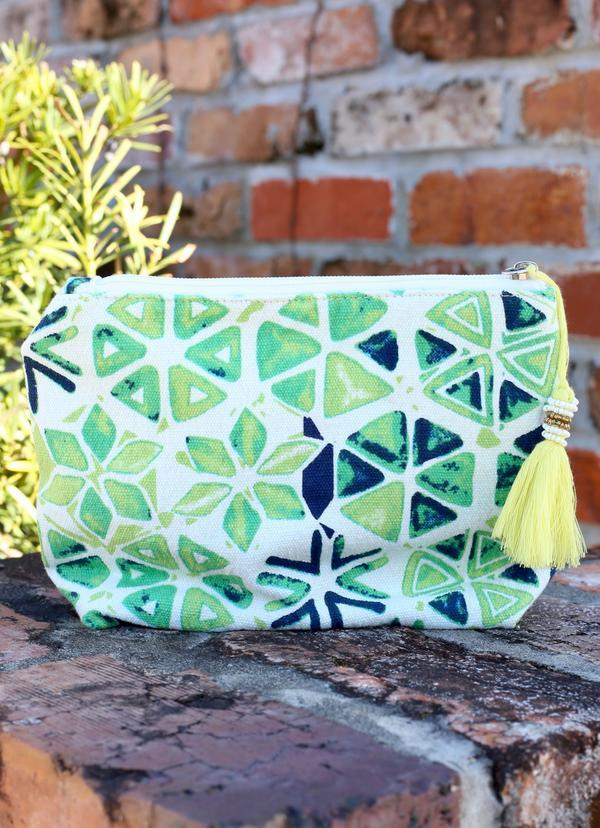 Keone Printed Pouch Green - Caroline Hill