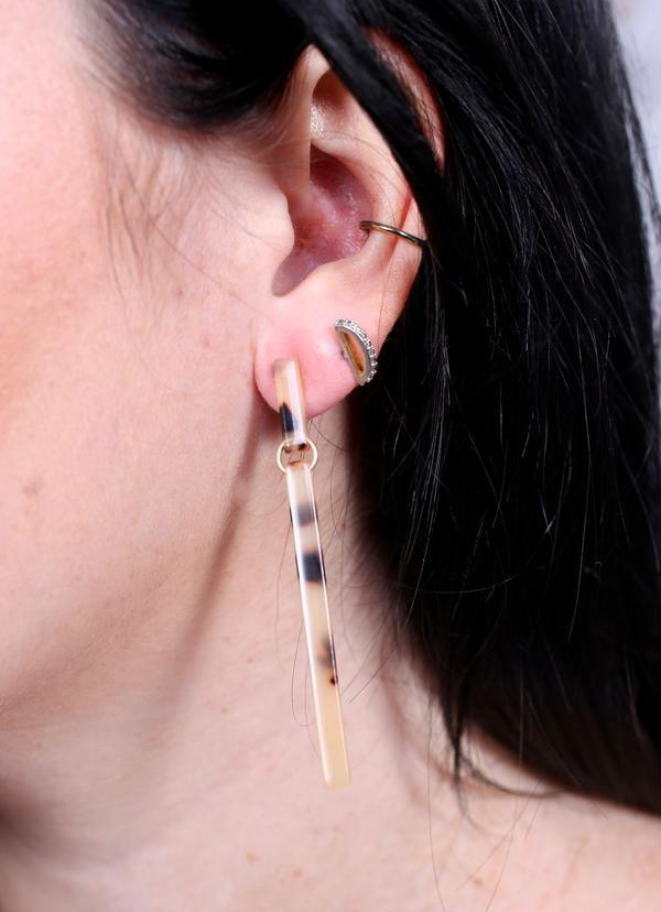 Landers Resin Bar Post Earring Natural - Caroline Hill