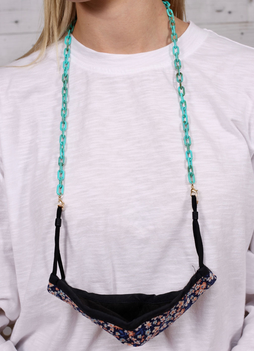 Landon Resin Link Mask Chain Turquoise - Caroline Hill