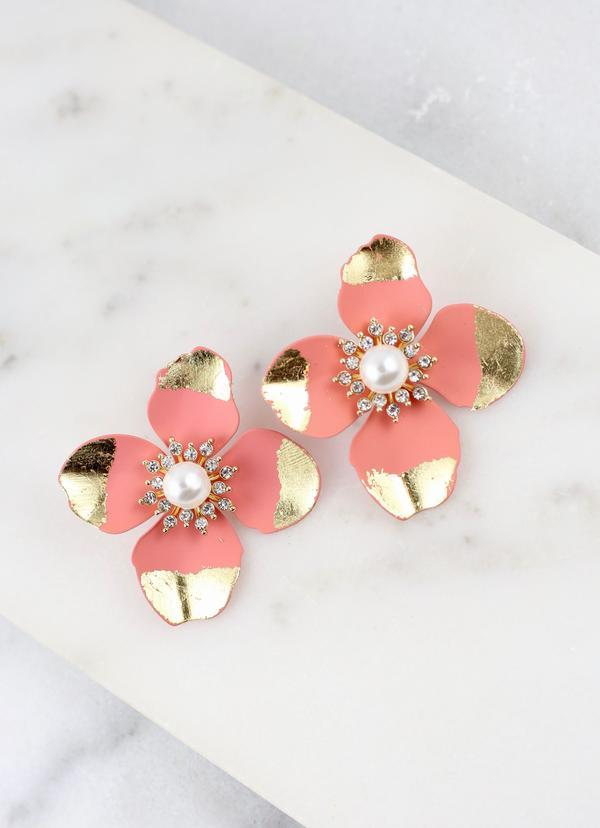Puck Peach Flower Earring - Caroline Hill