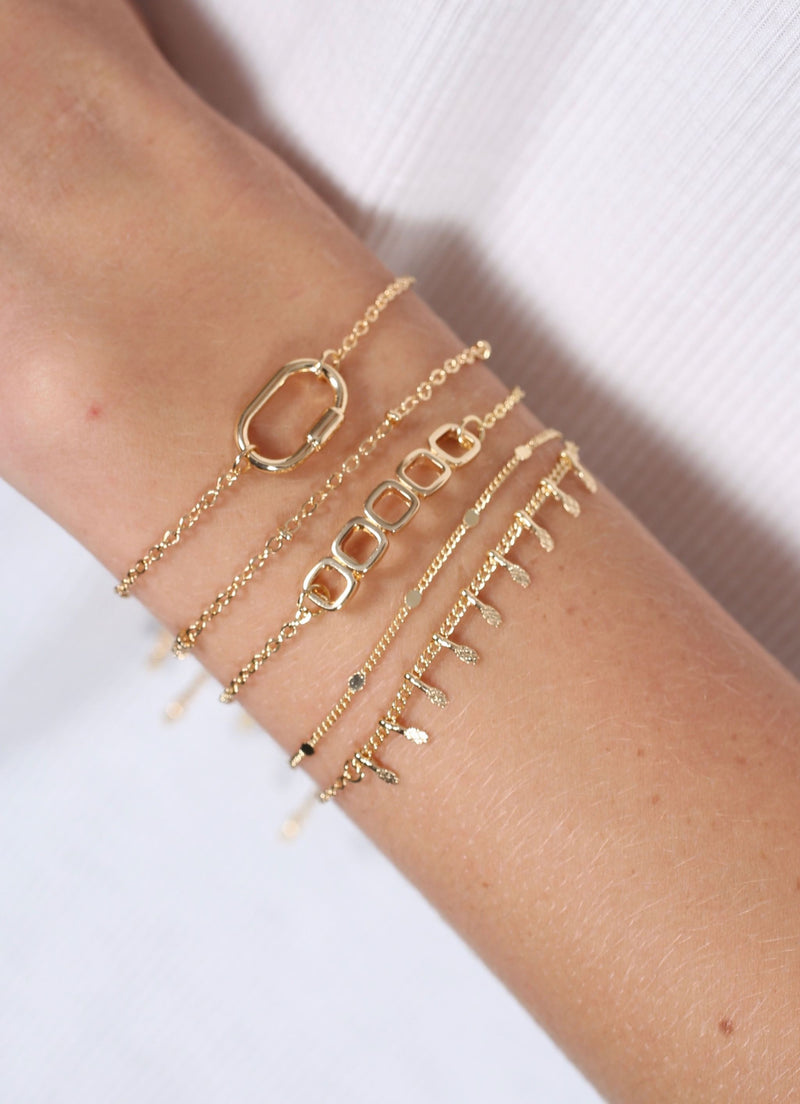 Rosen Set Of Five Bracelets Gold - Caroline Hill
