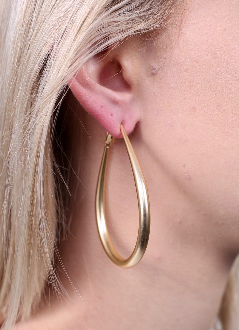 Sarah Gold Metal Teardrop Earring - Caroline Hill