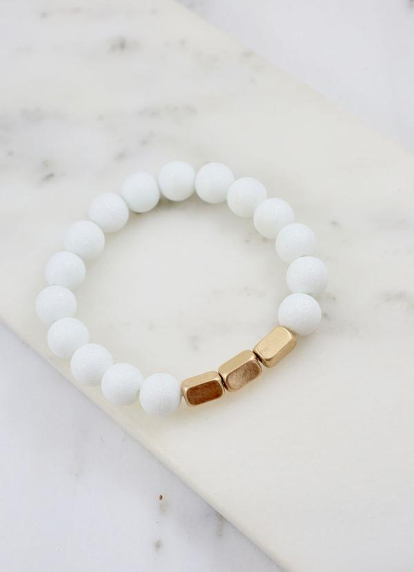 Stallone Beaded Bracelet With Gold Accents White - Caroline Hill