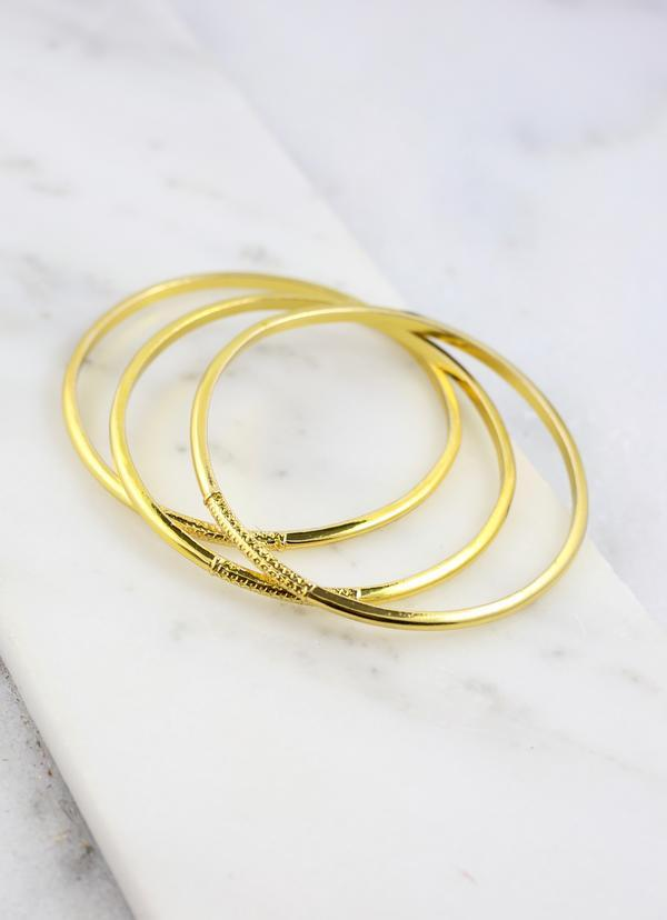 Tobias Set Of Three Gold Metal Bracelets - Caroline Hill