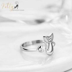 silver cat-ring with a cubic zirconia front kittysensations