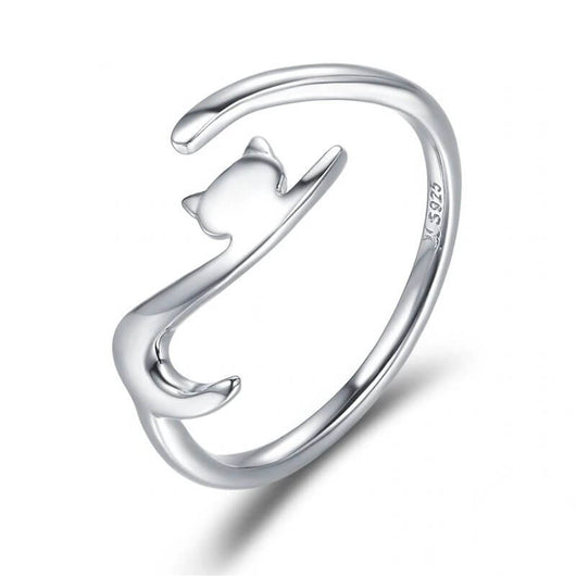 elegant cat ring in sterling silver on white background
