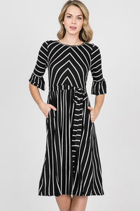 Ain't She Sweet Black and White Sweetheart Dress