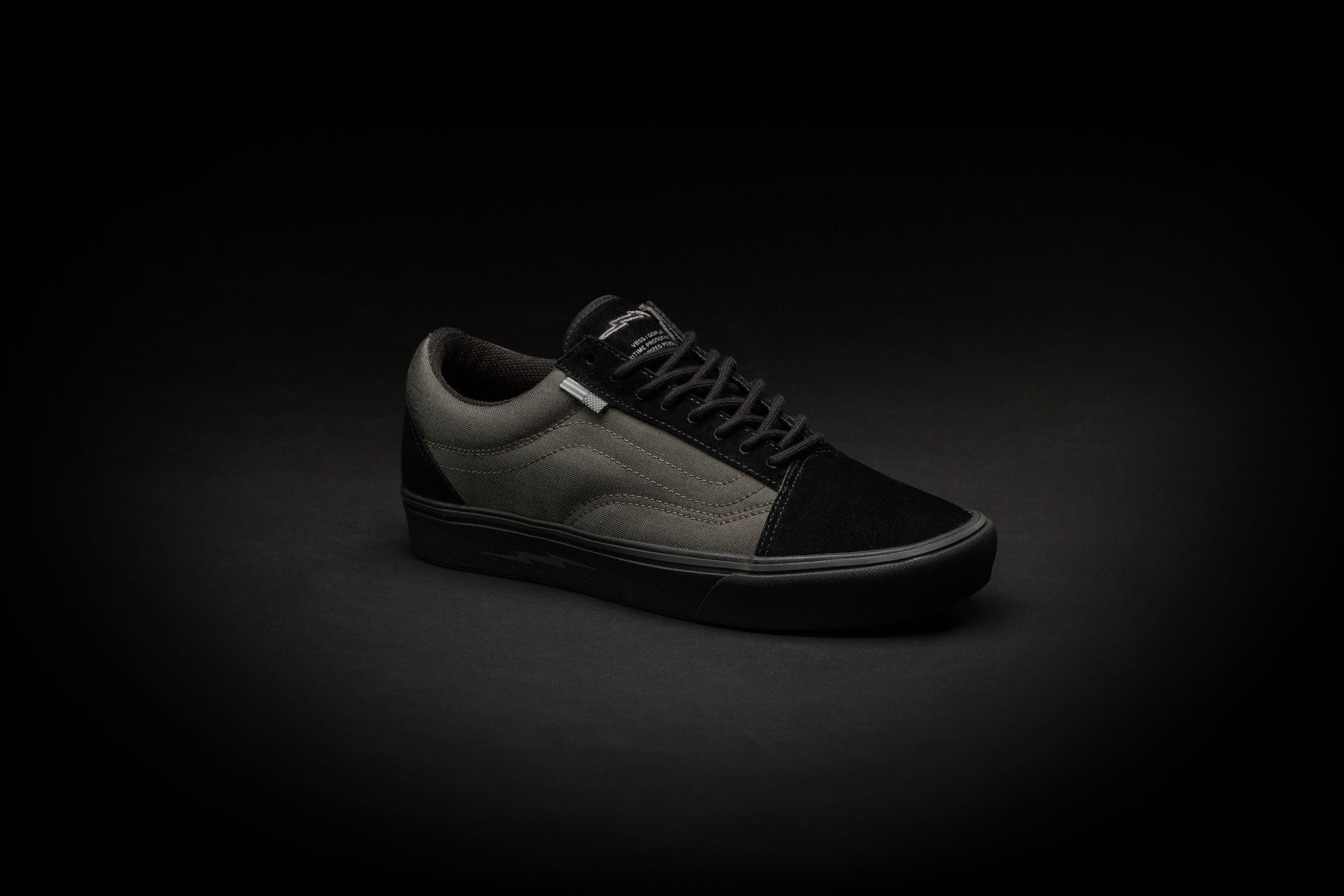 VANS VAULT COMFYCUSH OLD SKOOL™ LX