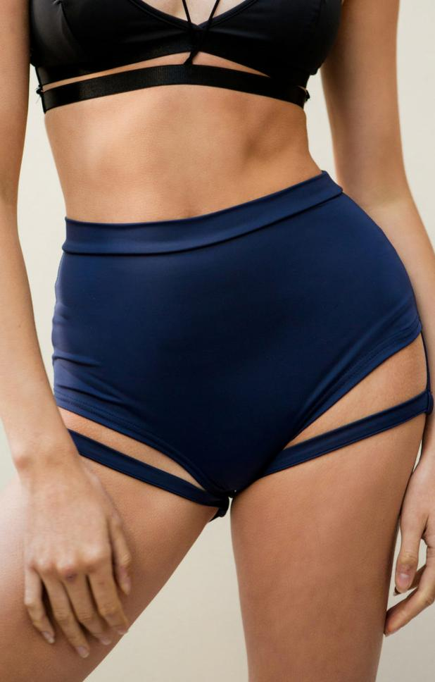 Lure You high waist garter shorts – Navy blue